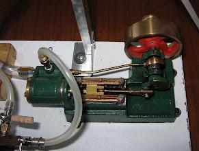 Photo: un des trois moteurs un kit assemblé par Roger