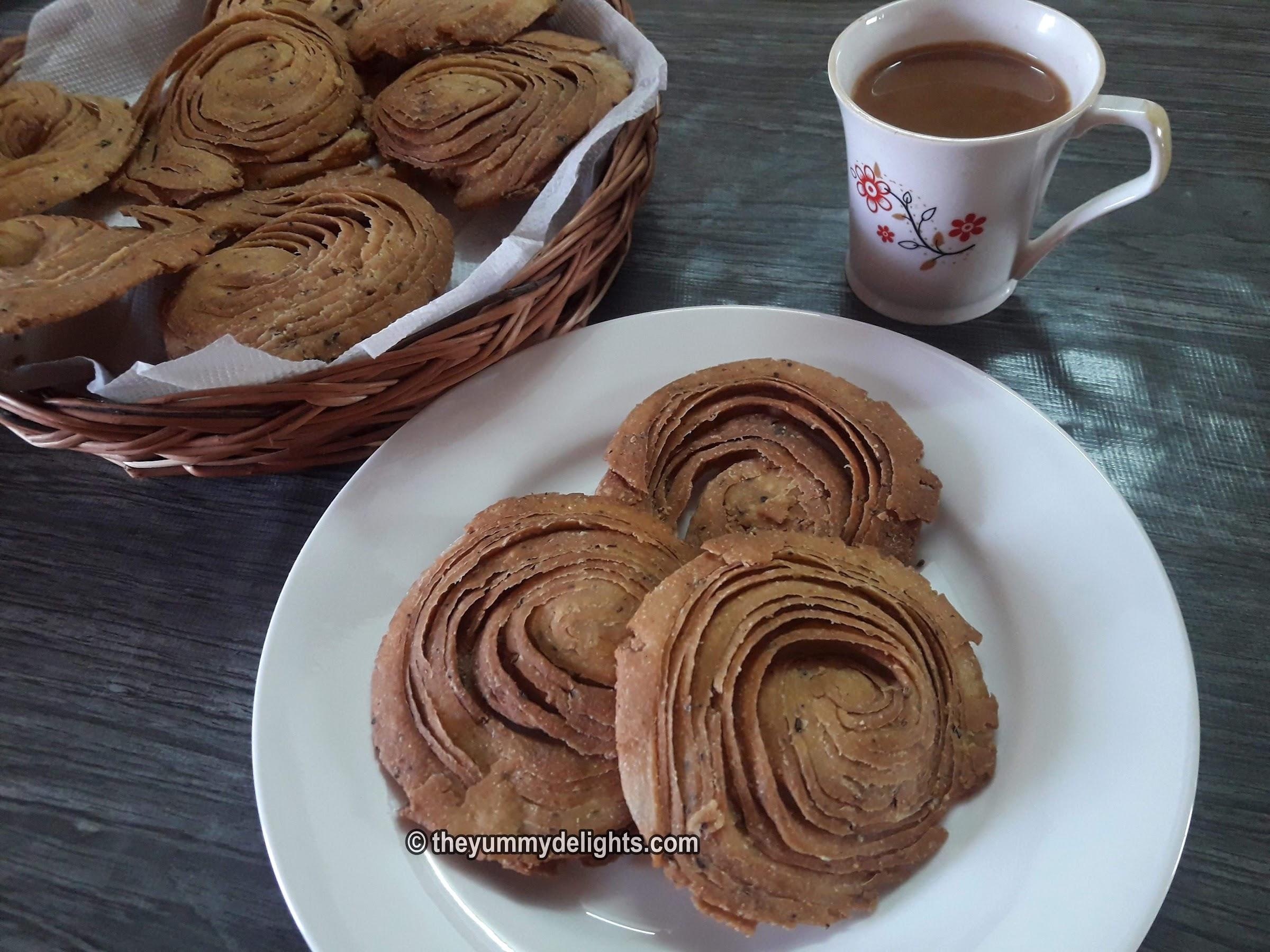 Verki puri served with tea