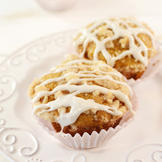 Pumpkin Muffins with Cinnamon Streusel Crumb Topping.