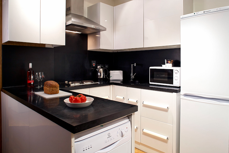 Kitchen at Gate House Apartments, Tower Bridge