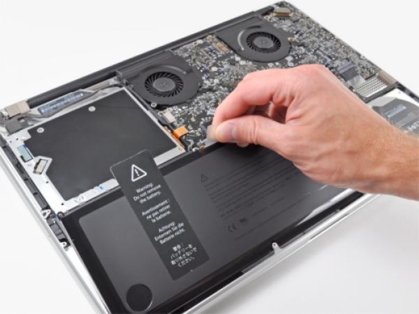 Thay pin Macbook Pro chính hãng giá rẻ