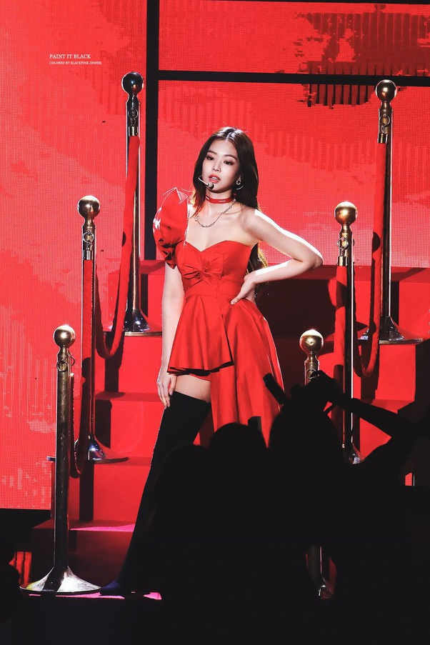 jennie solo red