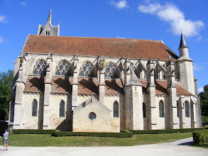 Photo: The full exterior side view of the church, and its particularly impressive flying buttresses.