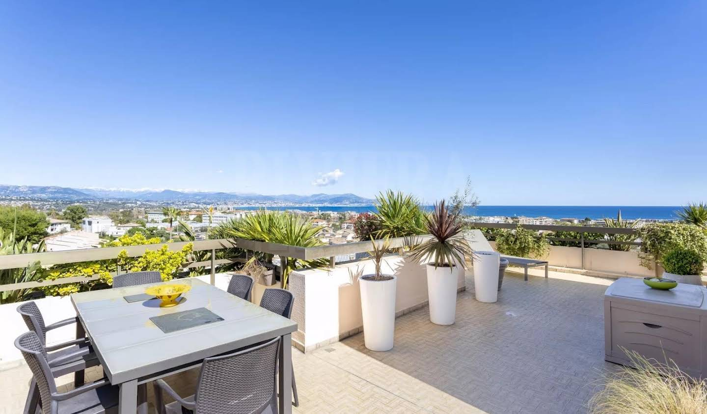 Apartment with terrace Antibes