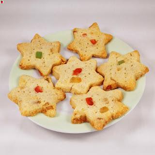 Vegan Christmas Shortbread Cookies.