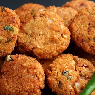 Chana Dhal Masala Vadai ( Deep Fried Lentil Snack).