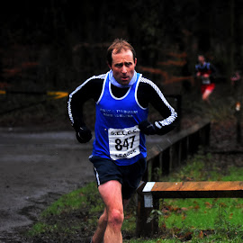 Blue  determination by Gordon Simpson - Sports & Fitness Running