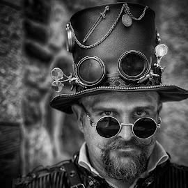 Neo Alan by Marco Bertamé - Black & White Portraits & People ( sunglasses, steampunk, beard, goggles, headshot, hat, man, portrait )