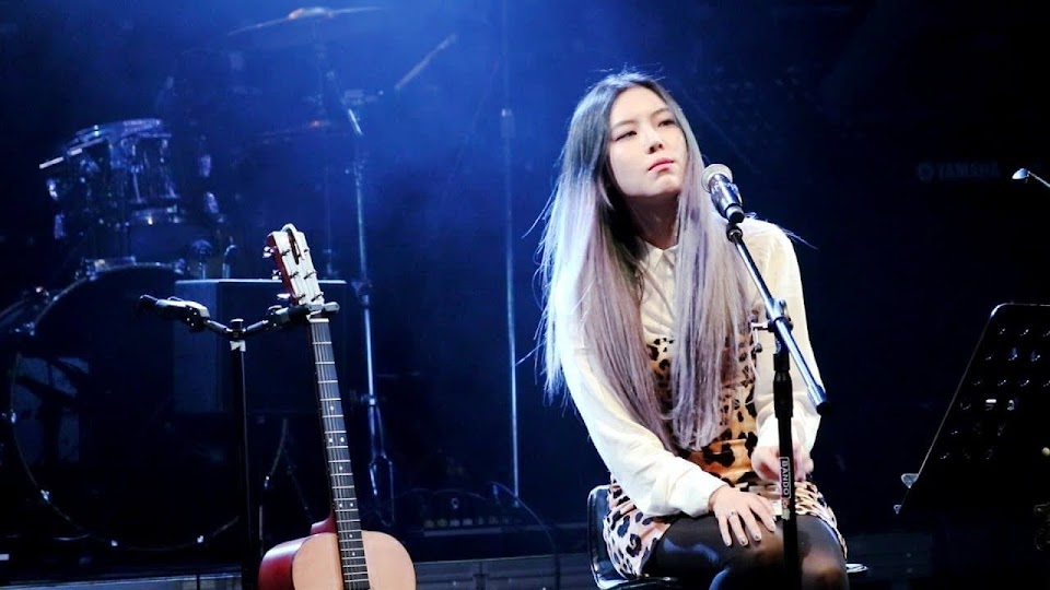 EZ Kim on stage