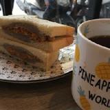 鳳梨寶堡-芋泥蛋餅早午餐店