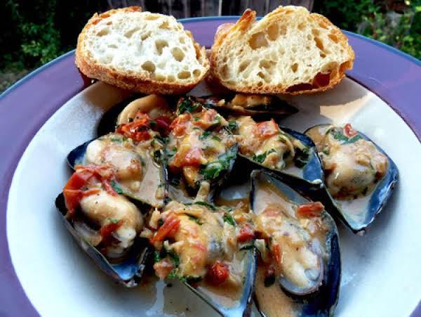 Mussels With Basil Cream/cozze Con Crema E Basilic