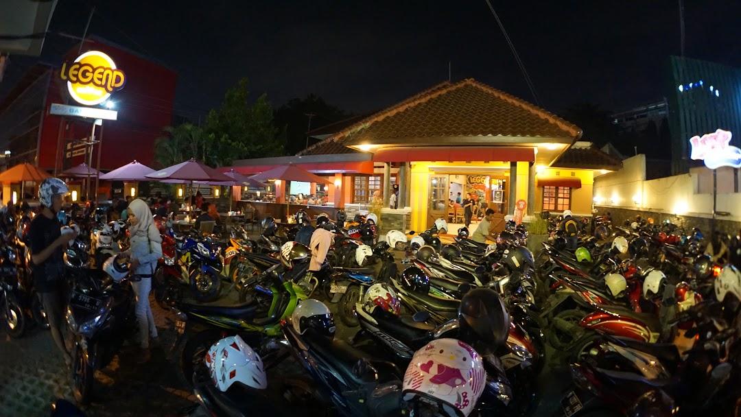 Legend Coffee Semarang Kafe