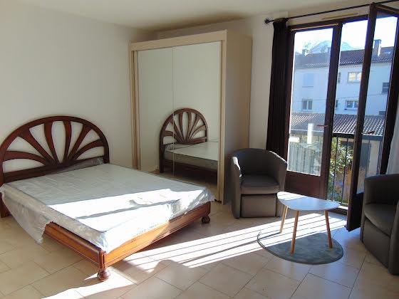 Location studio meublé 30,97 m2