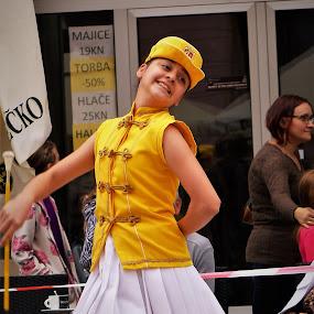 Majorettes by Alen Zita - People Musicians & Entertainers ( girl, folk, vinkovci, croatia, entertainment )