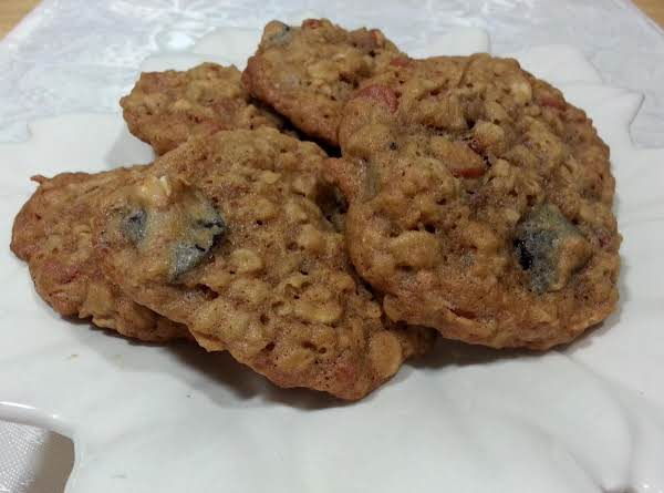 Cinnamon Chip, And Cherry Oatmeal Cookies Recipe