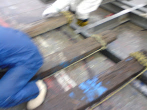 Photo: 船台にキール台を取り付け