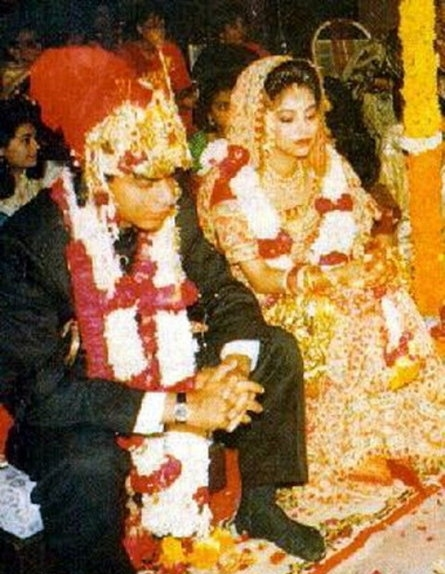 Uncommon & Unseen Photos Of Shah Rukh Khan & Gauri Khan14