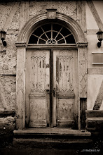 Photo: the door  I wish you all wonderful sunday evening and a fantastic start in a new, successful week! #DoorSunday by +André Roßbach and +Dave Krugman