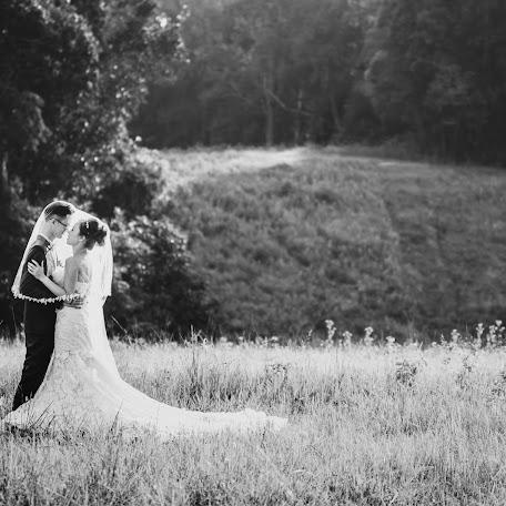 Wedding photographer Khampee Sitthiho (phaipixolism). Photo of 24.09.2017