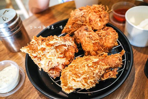 咬一口炸雞,雞汁流滿桌!台北好吃炸雞推薦,美加炸雞~台北大同區可外送炸雞推薦