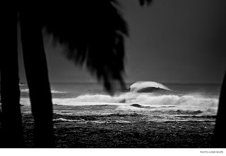 Photo: Pipeline, Hawaii. Photo: Lowe-White