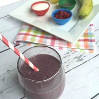 Wild Blueberries and Pomegranate Smoothie