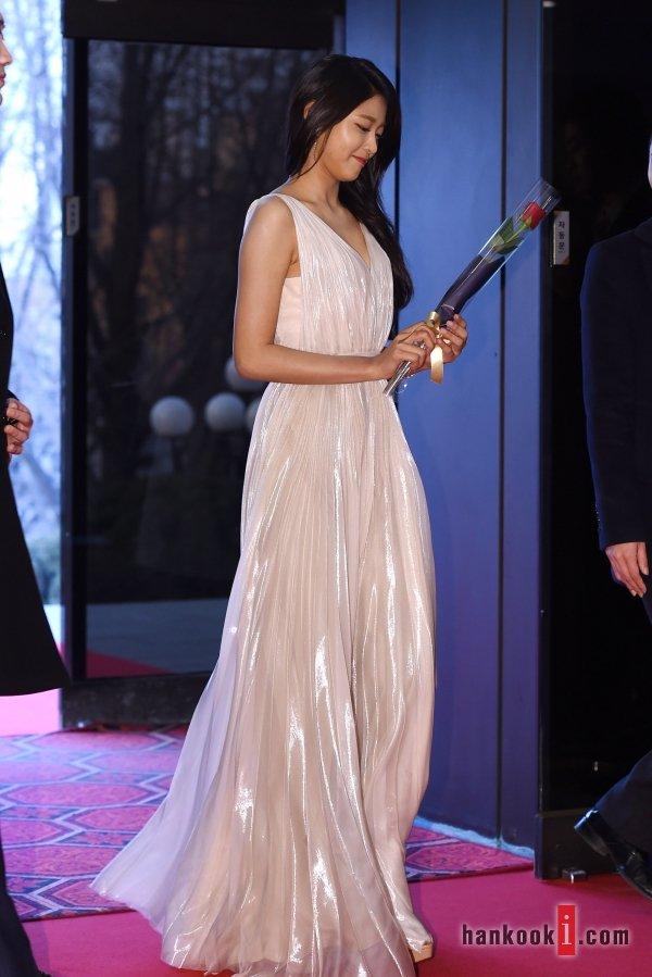 seol gown 17