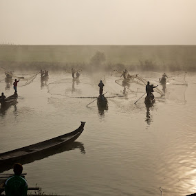 coordination by Mike Mulligan - People Professional People ( fishermen, myanmar, dawn, lake, shadows,  )