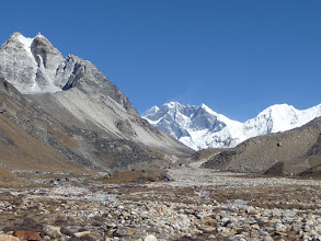Photo: Everest and Lhotse seen from Hunku valley
