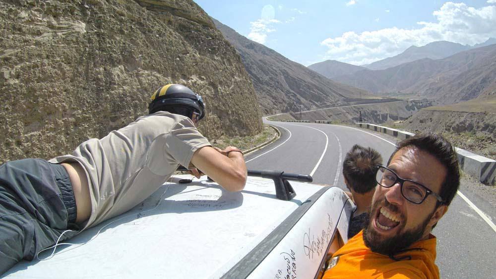 Dia 30 – Montanhas, tempestades de areia e encanto no TAJIQUISTÃO 🇹🇯 | Crónicas do Rally Mongol