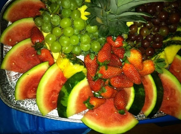 Notice the aluminum tray under the fruit?  This tray has been used for 2 years worth of birthday parties, graduations and potlucks!