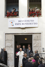 Photo: Pope Benedict XVI greets the crowd gathered outside a home for the elderly run by the Sant'Egidio Community in Rome during a Nov. 12 visit. (CNS photo/Paul Haring) (Nov. 12, 2012) See POPE-ELDERLY Nov. 12, 2012.