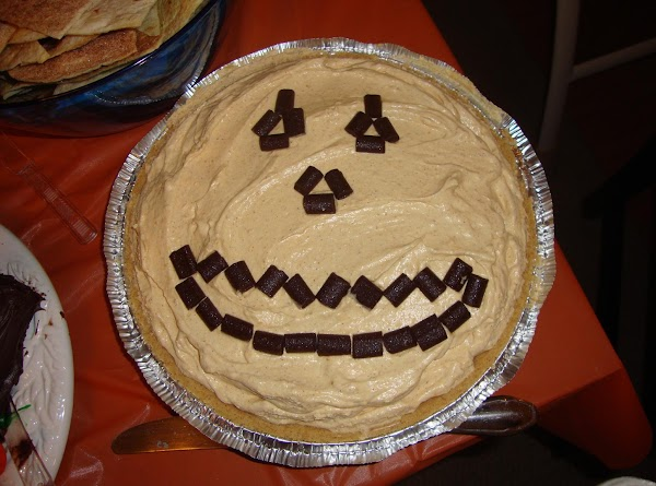 You can garnish with various toppings. I use chocolate chunks to make a pumpkin...