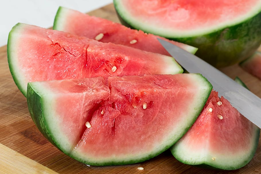 Can dogs eat watermelon with white seeds