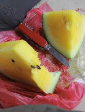 Photo: Pirmasis mūsų pirkinys Malaizijoje - geltonas arbūzas mm :)  Our first purchase in Malaysia - a yellow watermellon mm :)