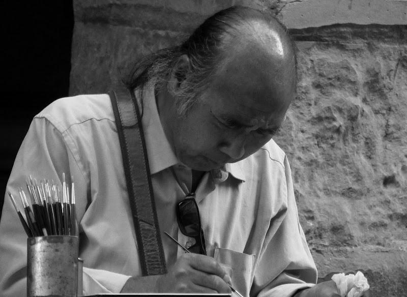 Il pittore concentrato di Giorgio Lucca