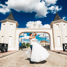 Wedding photographer Mikhail Sotnikov (Sotnikov). Photo of 10.10.2017