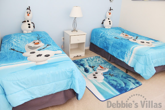 Bedroom 5 with Frozen theme