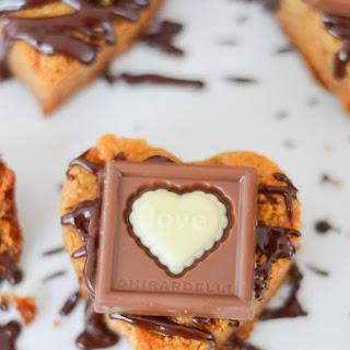Cardamom Blondies w. Chocolate Drizzle