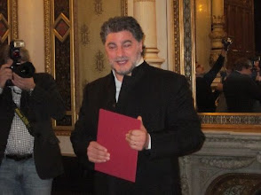 Photo: José CURA wurde Österreichischer Kammersänger. Die Verleihung erfolgte am 2. Dezember 2010 im Teesalon der Wiener Staatsoper. Foto: Renate Cupak