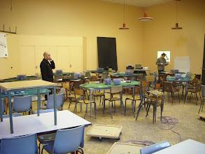 Photo: Préparation de la salle et mise en place des tables