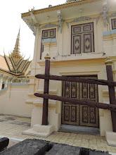 Photo: Phnom Penh, Königspalast - Aufstiegshilfe für Elefantenritt