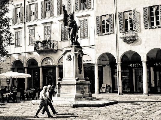 Quattro passi in città di Cenati Gino