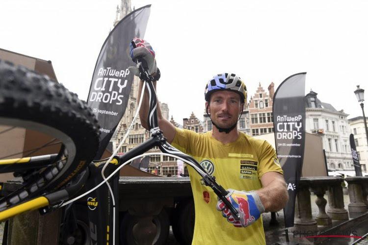 🎥 En omhoog die rots op! Meervoudig wereldkampioen trialbike Kenny Belaey verbaast met acrobatische toeren