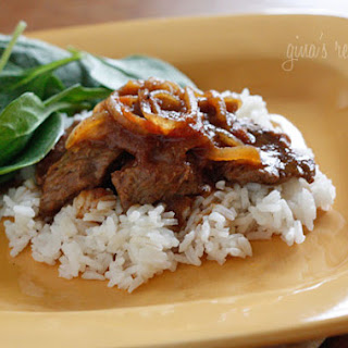 Carne Bistec – Colombian Steak with Onions and Tomatoes.