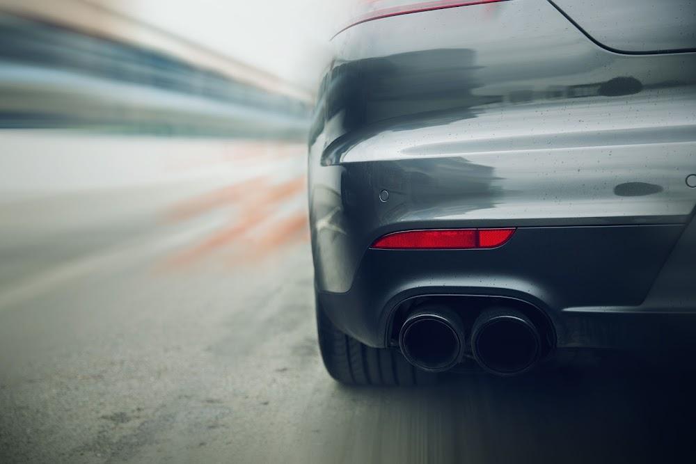 Toyota Corolla en VW Polo-snelgangers is op die R21-snelweg in polisieblitz betrap - TimesLIVE
