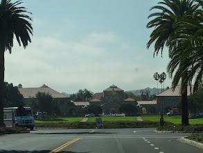 Photo: aux constructions massives