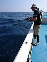 """Photo: やっとぐちゃぐちゃのラインをほといた""""明瀬さん""""! フィーッシュ! 「バラした魚の仇をオイが、とってやるけん!」"""