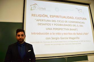 Photo: Sergio García Magariño habló en el CITeS de la vida y escritos de Bahá'u'lláh - Ávila 12-11-2015 - Todos los Derechos Reservados CITES - Universidad de la Mística - Ávila- España www.mistica.es