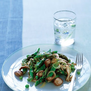 Asparagus with Shiitakes, Shallots, and Peas